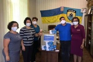 Громада на Волині отримала захисні маски і рукавички