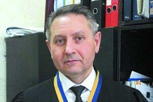 Суд зобов'язав ДБР відновити «справу про Томос»