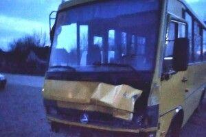 Шкільний автобус потрапив у ДТП на Рівненщині