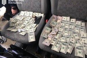 Понад 12 тисяч доларів за розмитнення 306 авто: за хабар судитимуть керівника митного поста «Ковель»