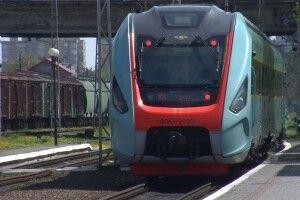 Потяг Львів–Чернівці прибув до Луцька: як і коли він  курсуватиме