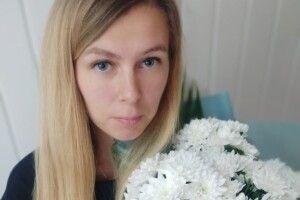 У Рожищі пані поліцейській подарували квіти (Відео)