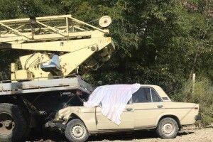 Водій втратив свідомість, а машина продовжила рух і влетіла у вантажівку (Фото)