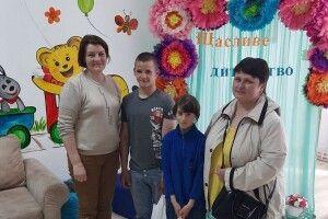 Громада на Волині вручила подарунки дітям без батьківського піклування (Фото)