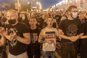 У Мінську почалися масові затримання протестувальників