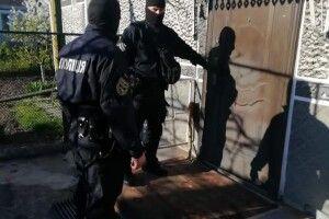 У місті на Волині під час обшуків вилучили кілограм наркотиків (Фото)