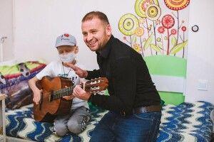 Терапія під гітару: цідіти вміють слухати музику серцем (суботня добірка)