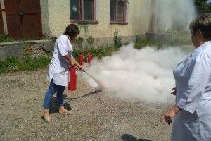 Медиків учили ліквідовувати пожежу