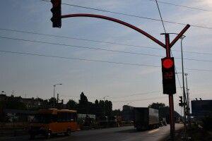 На Рівненщині мотоцикліст зупинився перед «зеброю», а його збила автівка