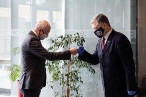 «Річницю безвізу варто відзначити»: Порошенко зустрівся з Послом ЄС