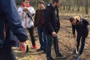 Студенти і викладачі Луцького НТУ долучилися до висадки дерев на честь загиблих воїнів АТО