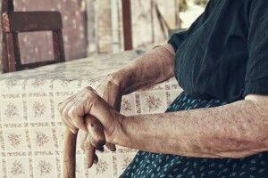 На Волині молодик побив 90-річну бабусю