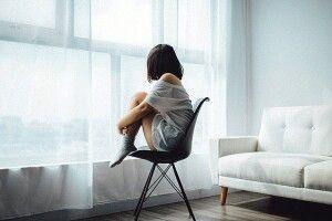 Чому симпатичні дівчата  часто залишаються одинокими