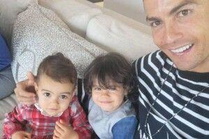 «Мої принцеси»: Кріштіану Роналду показав фото з доньками