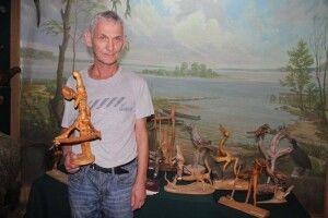 У Ковелі відкрили виставку виробів з коренів та гілок