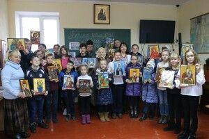 У Луцьку дітей навчили писати ікони (фото)