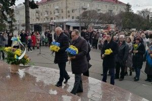 Луцьк весело та весняно привітав Тараса Шевченка з Днем народження (фото)