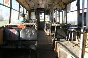 З палаючого тролейбуса пасажирів витягували через вікна