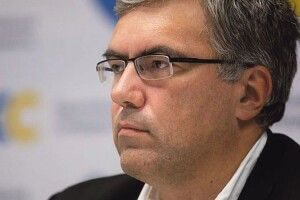 Ростислав Павленко:  «ЗЕ-депутати поспішають, щоб швидко розпродати 8 мільйонів гектарів державної землі»