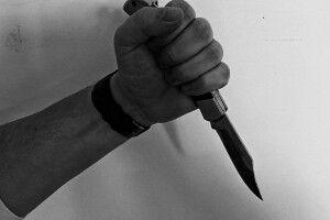Волинянина, який у Луцьку двічі вдарив перехожого ножем, взяли під варту
