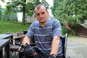 Артем Запотоцький після кулі снайпера опинився вінвалідному візку, але заявляє: «Як ів2013році, ябувби наМайдані»
