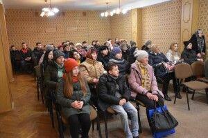 Пів сотні сімей у Луцьку отримали продуктові набори