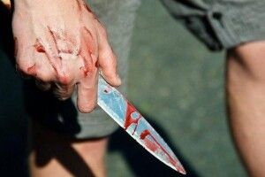 У Ковелі неадекват поранив ножем чоловіка і побив жінок