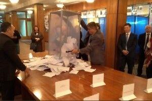 У Лесиному виші почали рахувати голоси за майбутнього ректора (Фото)