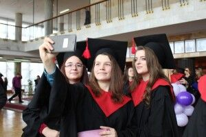 Ювілейний випуск: магістрам луцького університету урочисто вручили дипломи (Фото)