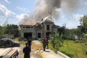 На Франківщині на будинок впав літак: четверо людей загинуло (Фото)