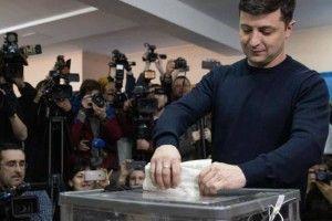 Зеленський заявив, що не буде ні з ким об'єднуватися