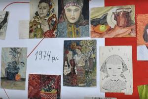 У Харкові відкрили зворушливу виставку дитячих малюнків минулого