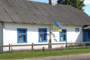 Чи будуть в клубі танці: у волинському селі – скандал через звільнення завклуба