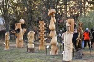 У Луцьку відкрили парк дерев'яних скульптур