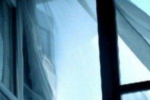 З вікна дев'ятого поверху випала дворічна дитина
