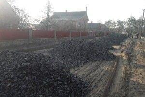 Селяни самі будують дорогу замільйон