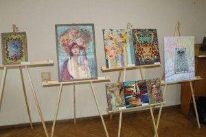 У Нововолинському музеї відкрили виставку картин місцевих митців