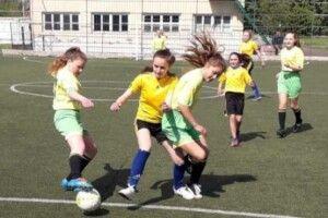 У Турійську змагалися дівочі футбольні команди