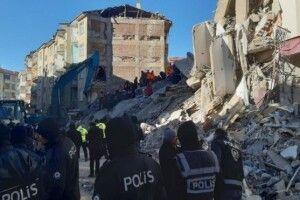21 людина загинула, понад тисяча поранених від землетрусу в Туреччині