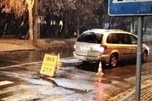 Дитина відлетіла на три метри: у Луцьку авто на пішохідному переході збило дівчинку, родичі шукають свідків (Фото)