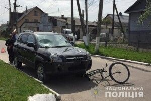 У Луцькому районі автомобіль збив двох підлітків