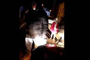 Подружжя у Рівному облаяло водія, а їхня дитина послала куди подалі (Відео моменту)