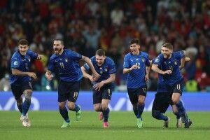 «Forza Italia!»: редакційний кріль «Газети Волинь» закликав футбольний світ вірити у перемогу «Скуадри Адзурри» (Відео)