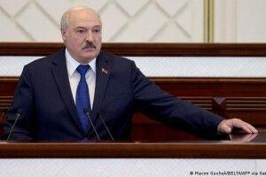 Лукашенка знову атакував маразм: у Білорусі терміново ліквідовують десятки громадських організацій