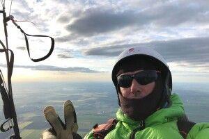 Український парапланерист пролетів 350 км між областями України та встановив рекорд Європи