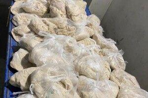 Сала багато не буває: українка приховала 300 кг кишок та цього національного продукту від митників