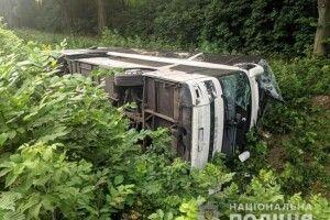 Крики, шум, кров: пасажир польського автобуса, який перекинувся на Рівненщині, розповів про пережите
