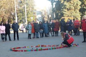 У Луцьку пройшла свічкова хода, приурочена Всесвітньому дню боротьби зі СНІДом