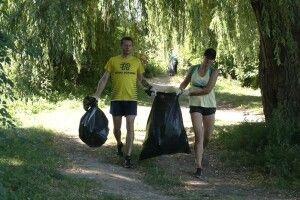 У Рівному відбувся еко-забіг: збирали сміття і заробили 41 гривню