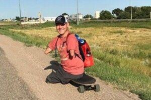 Фермер без рук і без ніг  бере участь у марафонах